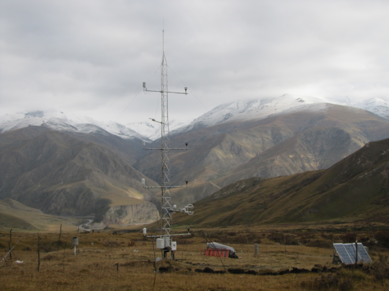 Dataset obtained from 4 levels on 10m meteorological tower in Hulugou sub-basin of alpine Heihe River (2013)