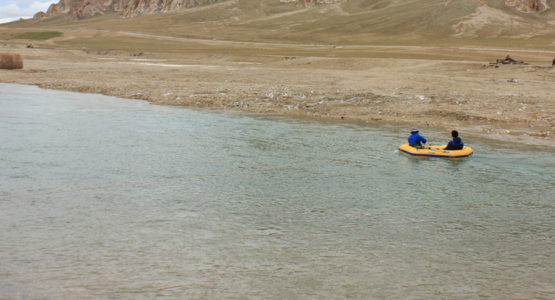 Flow discharge observation data of Selincuo Lake's Inflow River Zhagenzangbu (2017)