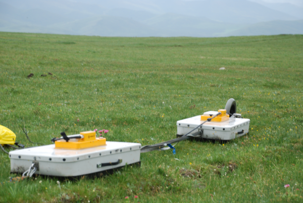WATER: Dateset of GPR (Ground Penetration Radar) observations in the A'rou foci experimental area from Mar to Jun , 2008